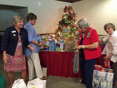 Sending Christmas greetings to sailors overseas
